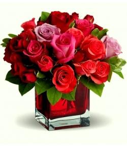 send 12 red roses in vase to japan