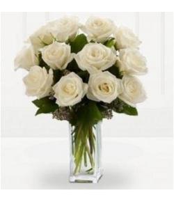 send 12 premium long stem white roses in vase to japan